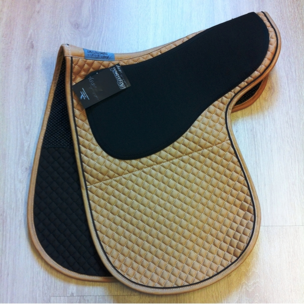 Equest Grip pad sand med brun piping